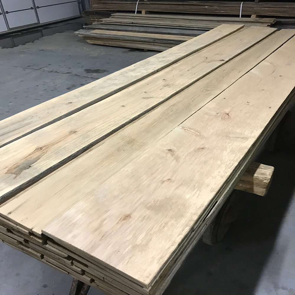 Looking for barn wood claddings for Reclaimed wood supplier